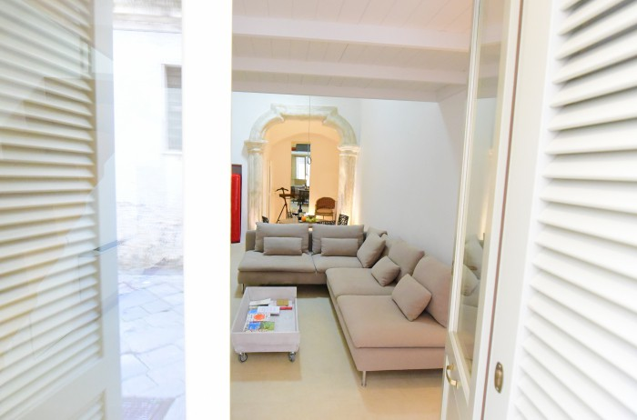 Vacation rental boutique studio apartment Il Tempietto nardo Lecce Salento Puglia southern italy, gay friendly, self contained entire appartement contemporary style, comfortable, well appointed and stylish