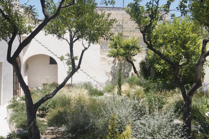 Location maison de charme avec jardin et piscine jacuzzi jardin vacances Nardo Lecce Salento Pouilles Italie sud, gay friendly, style contemporain vintage, bien équipé, de haute qualité, spacieux et élégant, espaces externes, terrasses
